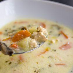 Tárkonyos csirkeragú leves